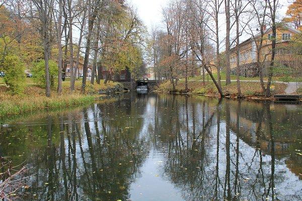 Fiskarsin Ruukin joki ja vanha mylly
